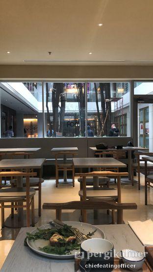 Foto 2 - Interior di 1/15 One Fifteenth Coffee oleh feedthecat