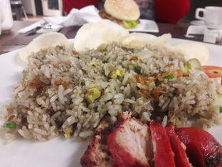 Foto 3 - Makanan di Cardamom Bistro - MaxOne Hotel oleh muyeahs