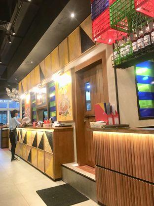 Foto 19 - Interior di The People's Cafe oleh Prido ZH