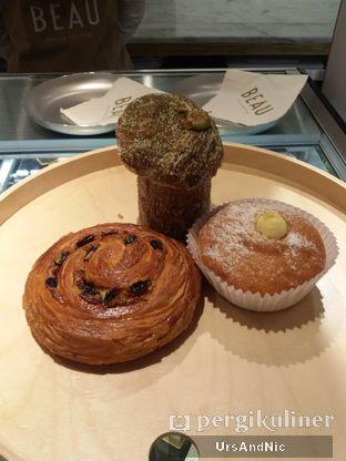 Foto 6 - Makanan(My takeaway Bombos, Pain au croissant, Cruffin matcha ) di Beau oleh UrsAndNic