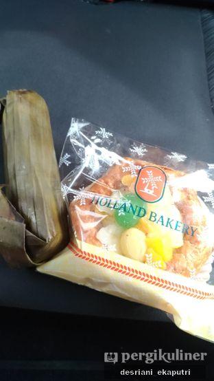 Foto 1 - Makanan di Holland Bakery oleh Desriani Ekaputri (@rian_ry)