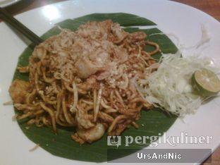 Foto 4 - Makanan(Malay mee goreng) di Penang Bistro oleh UrsAndNic