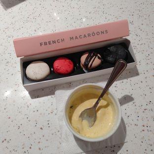 Foto 1 - Makanan(macaron) di The Harvest oleh Erika  Amandasari