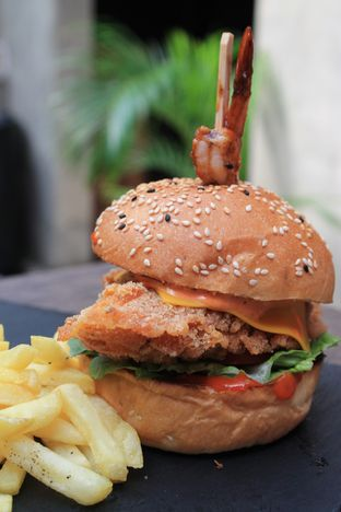 Foto review Dope Burger & Co. oleh Prido ZH 32