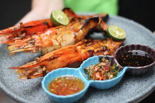 Foto 4 - Makanan(Udang Galah Bakar) di Aromanis oleh Hans Latuheru | @hanslatuheru