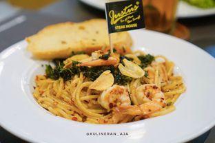 Foto 1 - Makanan(Spaghetti Prawn Aglio Olio) di Justus Steakhouse oleh @kulineran_aja