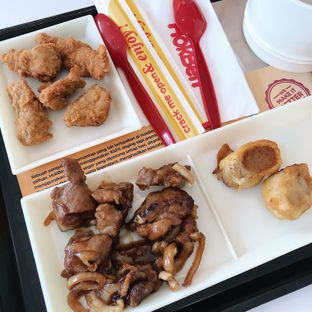 Foto 1 - Makanan di HokBen (Hoka Hoka Bento) oleh Della Ayu