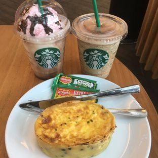 Foto review Starbucks Coffee oleh Vina @Ravient88 1