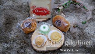 Foto 5 - Makanan di Dandy Bakery oleh Deasy Lim