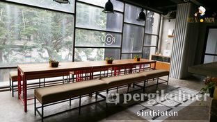 Foto 2 - Interior di Routine Coffee & Eatery oleh Miss NomNom