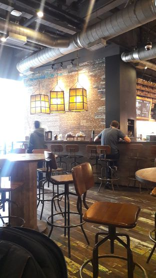 Foto review Starbucks Coffee oleh Dzuhrisyah Achadiah Yuniestiaty 2