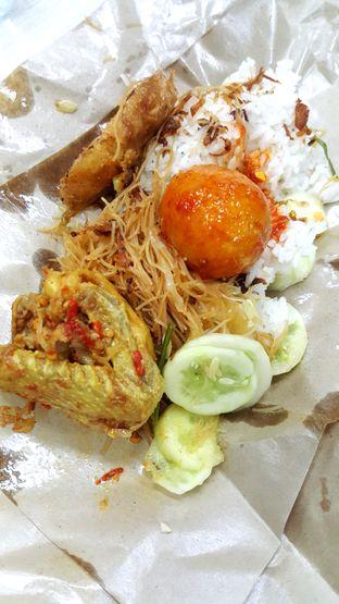 Foto - Makanan di Nasi Uduk Favourite oleh Naomi Suryabudhi