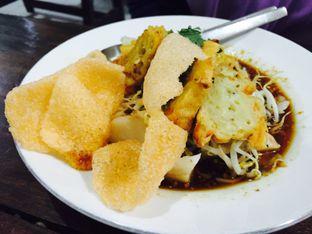 Foto 4 - Makanan(Kupat Tahu ) di Kupat Tahu Magelang AA oleh Yolla Fauzia Nuraini