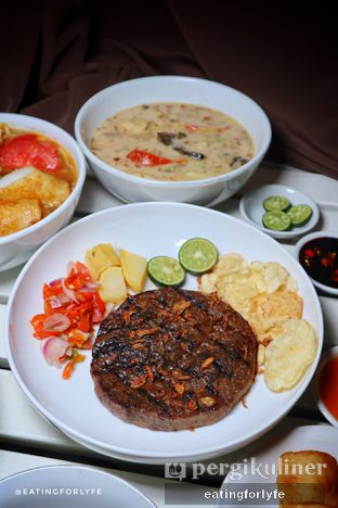 Foto 5 - Makanan di Soto Betawi Nyonya Afung oleh Fioo | @eatingforlyfe