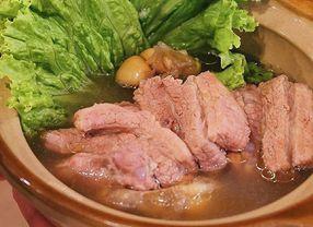 8 Tempat Makan Enak di PIK yang Menyajikan Menu Olahan Babi