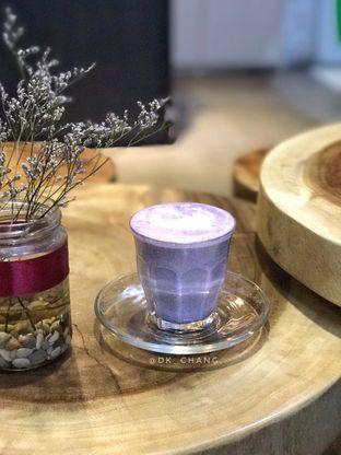 Foto 1 - Makanan(Taro Latte) di Qubico Coffee oleh dk_chang