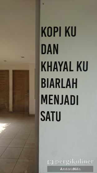 Foto 5 - Interior di Khayal Coffee Studio oleh AndaraNila