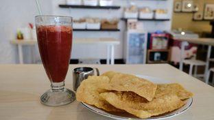 Foto 2 - Makanan(Pangsit Goreng) di Sam's Strawberry Corner oleh YSfoodspottings