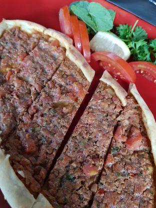 Foto 2 - Makanan(Tavuk pide) di Warung Turki oleh Clara Yunita