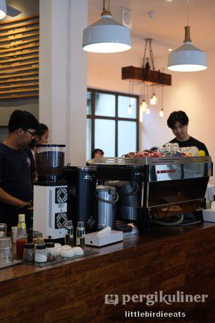 Foto 5 - Interior di SRSLY Coffee oleh EATBITESNAP // Tiffany Putri