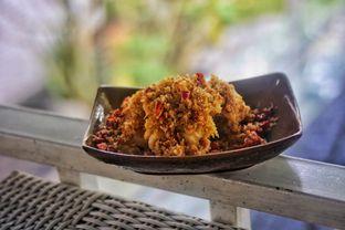 Foto 3 - Makanan(Cumi Lada Garam) di Akasya Teras oleh Fadhlur Rohman