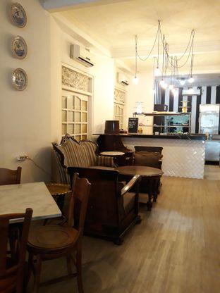 Foto 6 - Interior di Goedkoop oleh Mouthgasm.jkt
