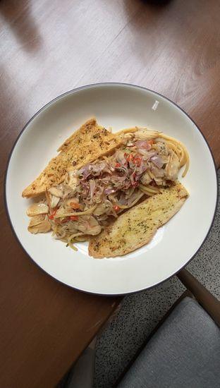 Foto 2 - Makanan(Aglio Olio Kecombrang) di First Crack oleh kdsct