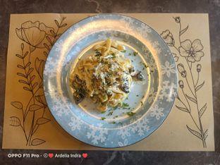 Foto 11 - Makanan(Fettucci Della Casa Sauce) di Pizzapedia oleh Ardelia I. Gunawan