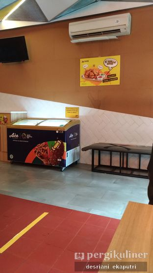 Foto 4 - Interior di Fried Chicken Master oleh Desriani Ekaputri (@rian_ry)
