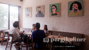 Foto 2 - Interior di Say Something Coffee oleh Oppa Kuliner (@oppakuliner)