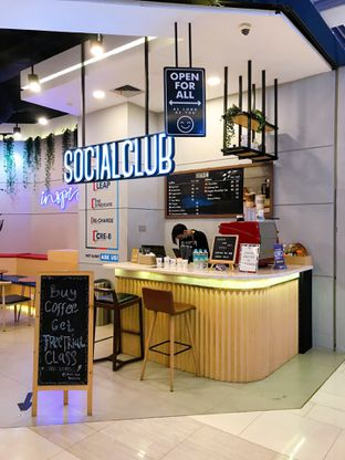 Foto review Social Club oleh yudistira ishak abrar 4