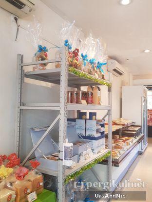 Foto review Holland Bakery oleh UrsAndNic  10