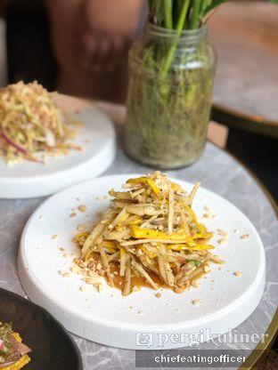 Foto 5 - Makanan di Akar Restaurant and Bar oleh feedthecat