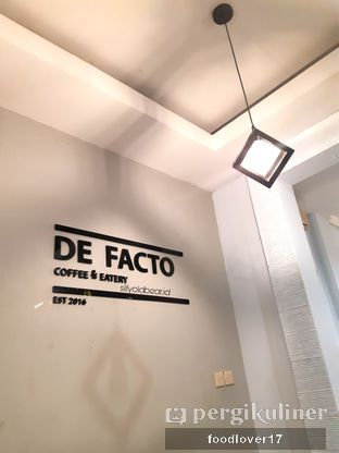 Foto 1 - Interior di De Facto Coffee & Eatery oleh Sillyoldbear.id