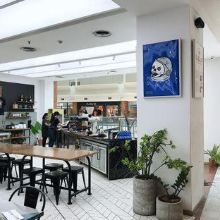 Foto 7 - Interior di Common Grounds oleh Della Ayu