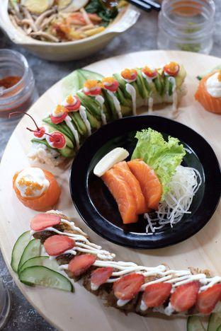 Foto 1 - Makanan di J Sushi oleh Nanakoot