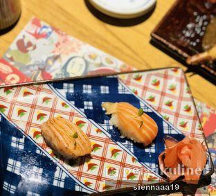 Foto 3 - Makanan(salmon belly aburi; salmon belly sushi) di Izakaya Kai oleh Sienna Paramitha