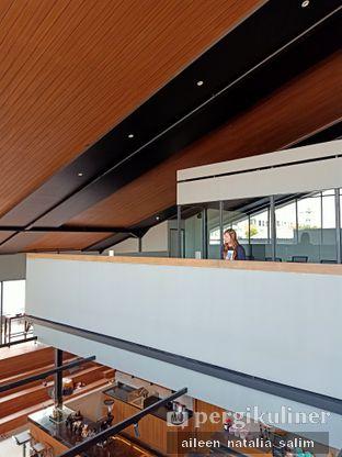 Foto 2 - Interior di Authentic Coffee oleh @NonikJajan