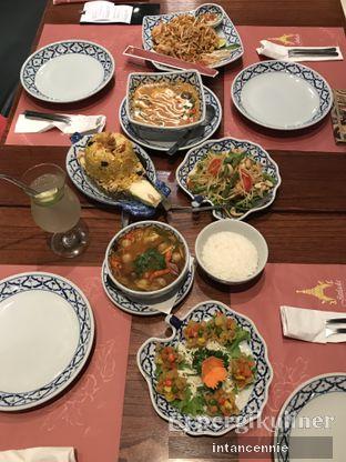 Foto 9 - Makanan di Jittlada Restaurant oleh bataLKurus