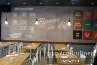 Foto 3 - Interior di Wingstop oleh Darsehsri Handayani