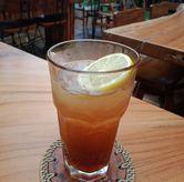 Foto Lemon tea di Equator Coffee & Gallery