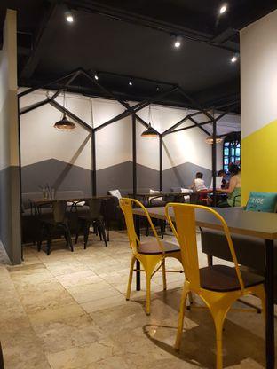 Foto 5 - Interior di EatSaurus oleh Yuli || IG: @franzeskayuli