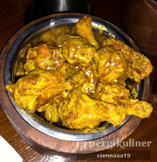 Foto 1 - Makanan(Salted Egg Chicken Wings) di Holywings Gold oleh Sienna Paramitha