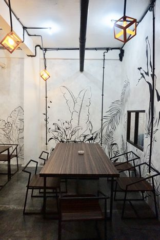 Foto 14 - Interior di Nationalism Coffee Brewers oleh yudistira ishak abrar
