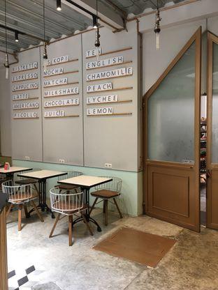 Foto 8 - Interior di New Lareine Coffee oleh Mariane  Felicia