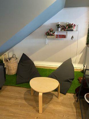 Foto 9 - Interior di Ilo Coffee oleh Levina JV (IG : @levina_eat & @levinajv)
