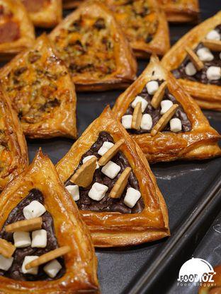 Foto 1 - Makanan di Tous Les Jours Cafe oleh IG: FOODIOZ