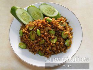 Foto 1 - Makanan di Waroeng Nasi Goreng & Lalapan Babeh oleh Tirta Lie