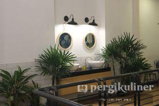 Foto 2 - Interior(Lantai 2) di Warung Kopi Limarasa oleh Rifky Syam Harahap | IG: @rifkyowi