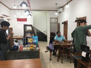 Foto 5 - Interior di Fugol Coffee oleh Mariane  Felicia